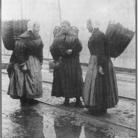 Lossiemouth Heritage (fishwives)